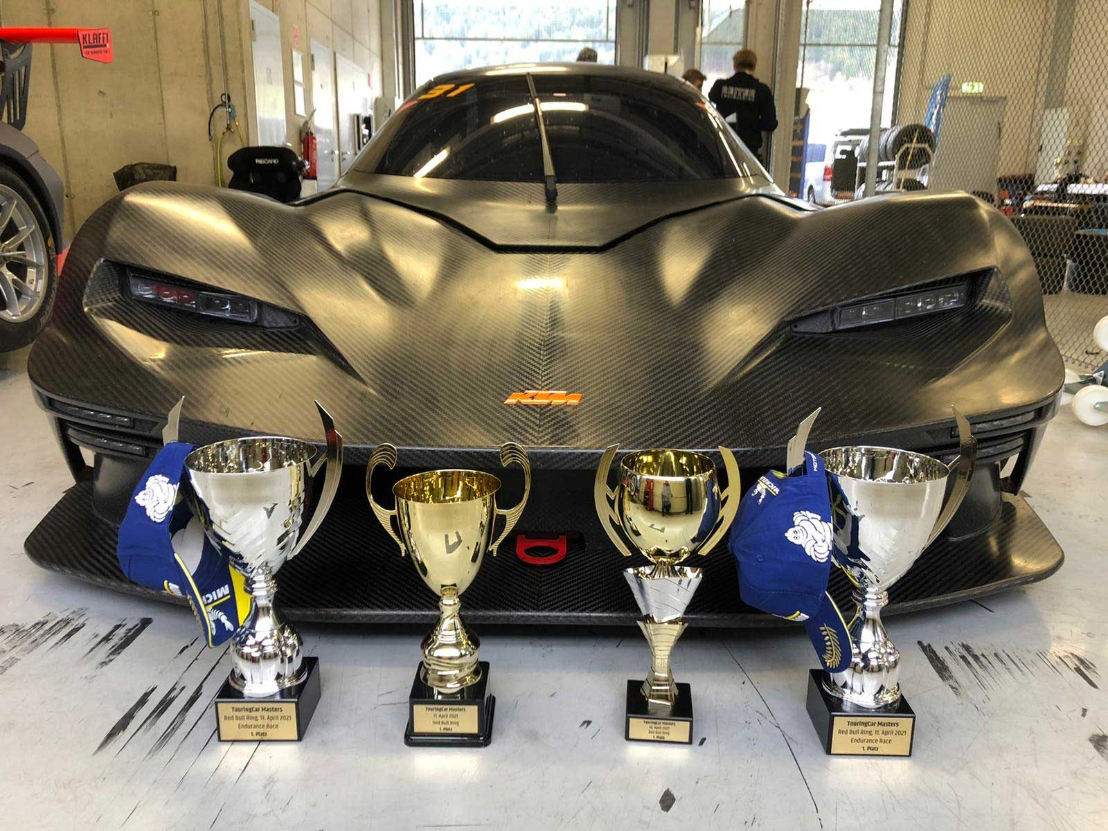 KTM X-BOW GTX hat trick on the Red Bull Ring: Double victory in TCM & victory in the hour race!